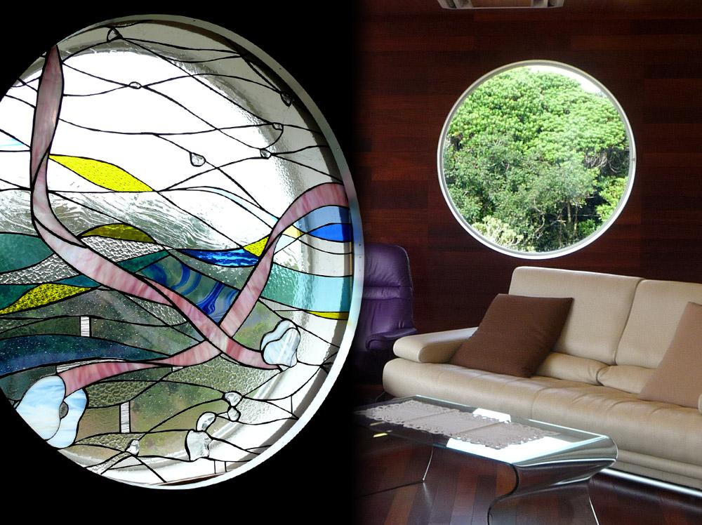 三重県志摩市・S邸収納できるステンドグラス窓